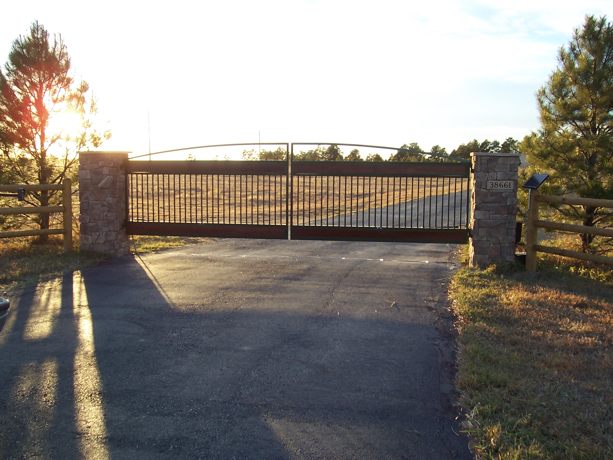 Merchants Metals fence manufacturer and distributor offers a